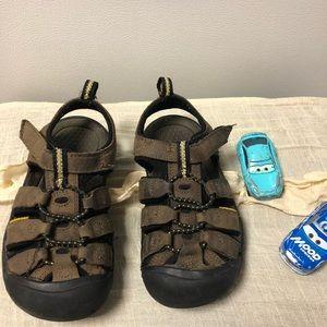 Keen toddler boy sandal